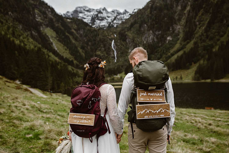 Hiking elopement in Austria