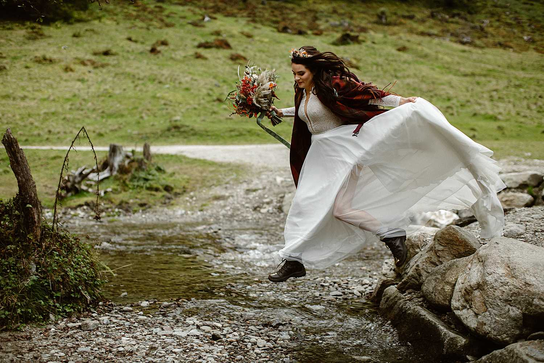 Hiking elopement bride