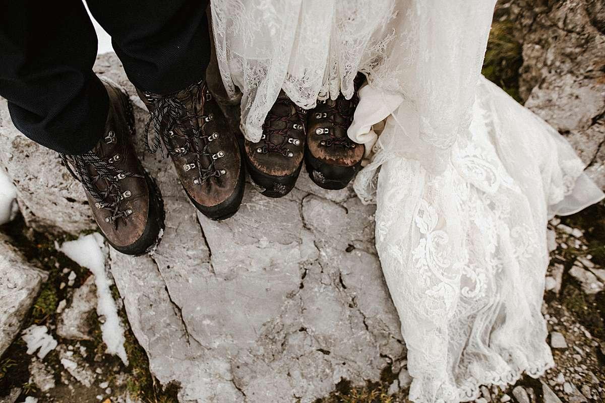 hiking elopement in winter